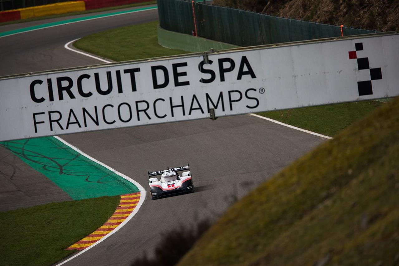 La Porsche 919 énervée claque du boule à Spa et met sa race à une F1 ! Impressionnant... 1