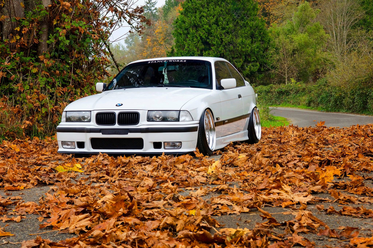 Slammed BMW E36 - Black & White ! 5