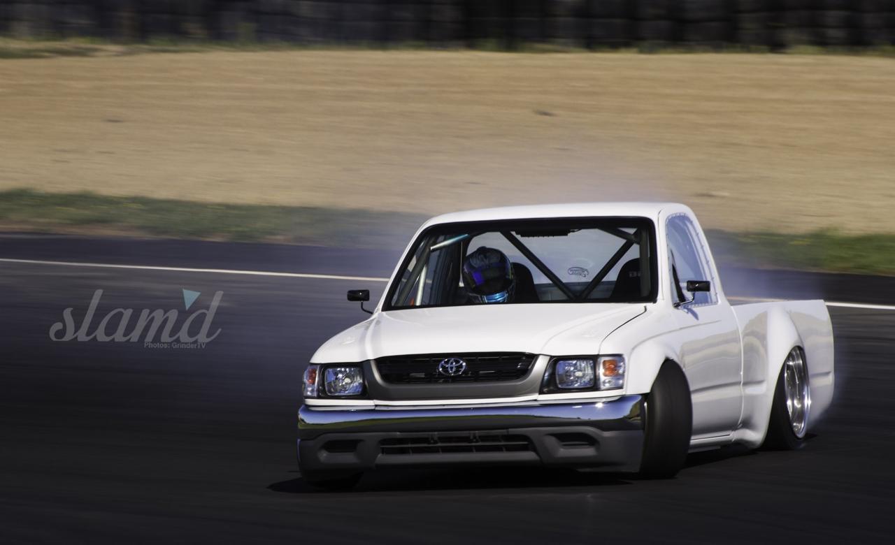 Toyota Hilux... Utilitaire ou drifteuse ?! 22