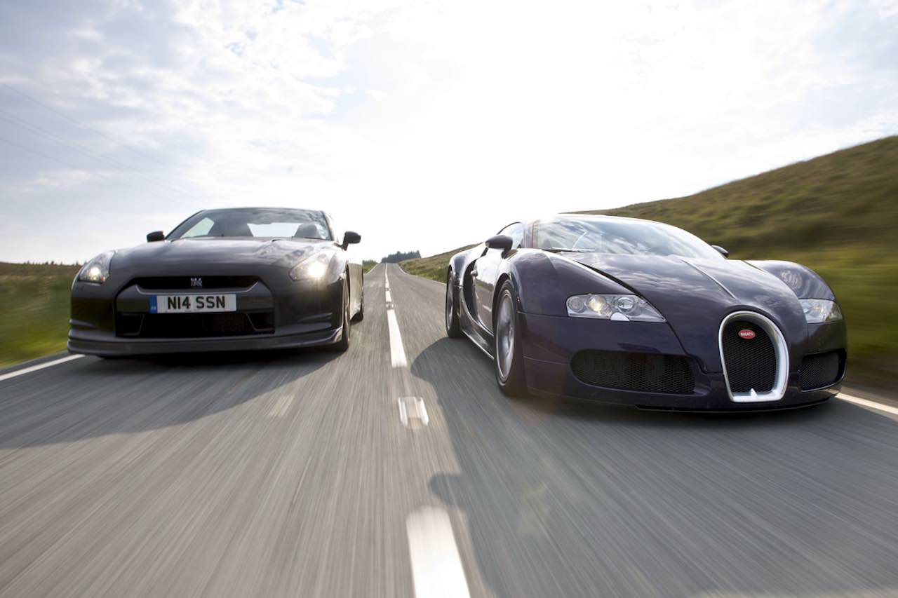 Bugatti Chiron vs Veyron SS & Nissan GTR... Suprise ?! 13