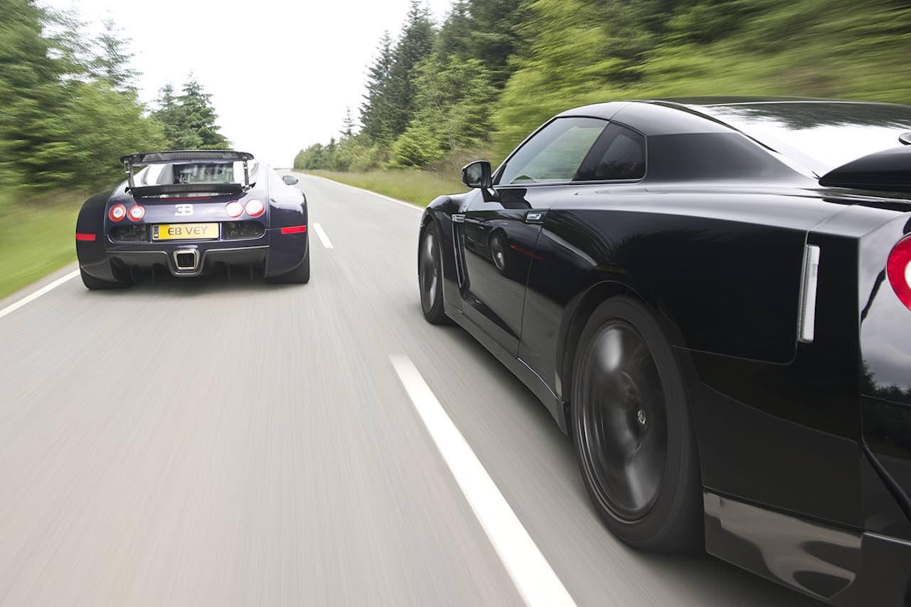 Bugatti Chiron vs Veyron SS & Nissan GTR... Suprise ?! 9