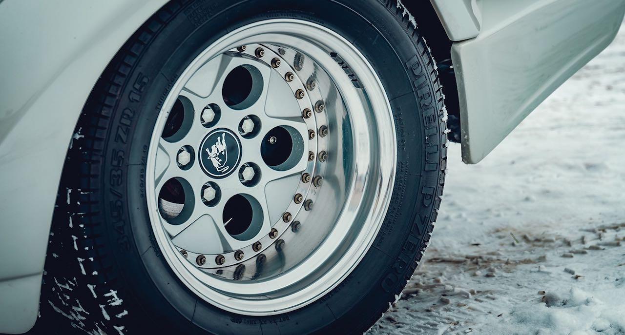 Un Lamborghini Countach 25th Anniversary - Blanche neige ! 38