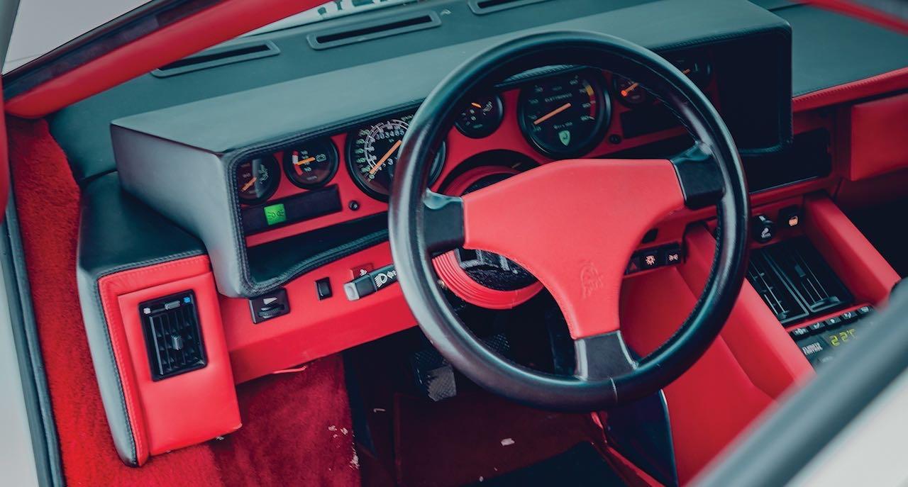 Un Lamborghini Countach 25th Anniversary - Blanche neige ! 36