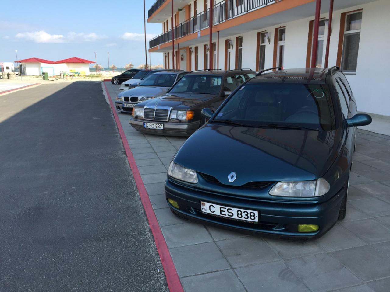 Renault Laguna Estate Airride... Y'en a qui osent ! 25