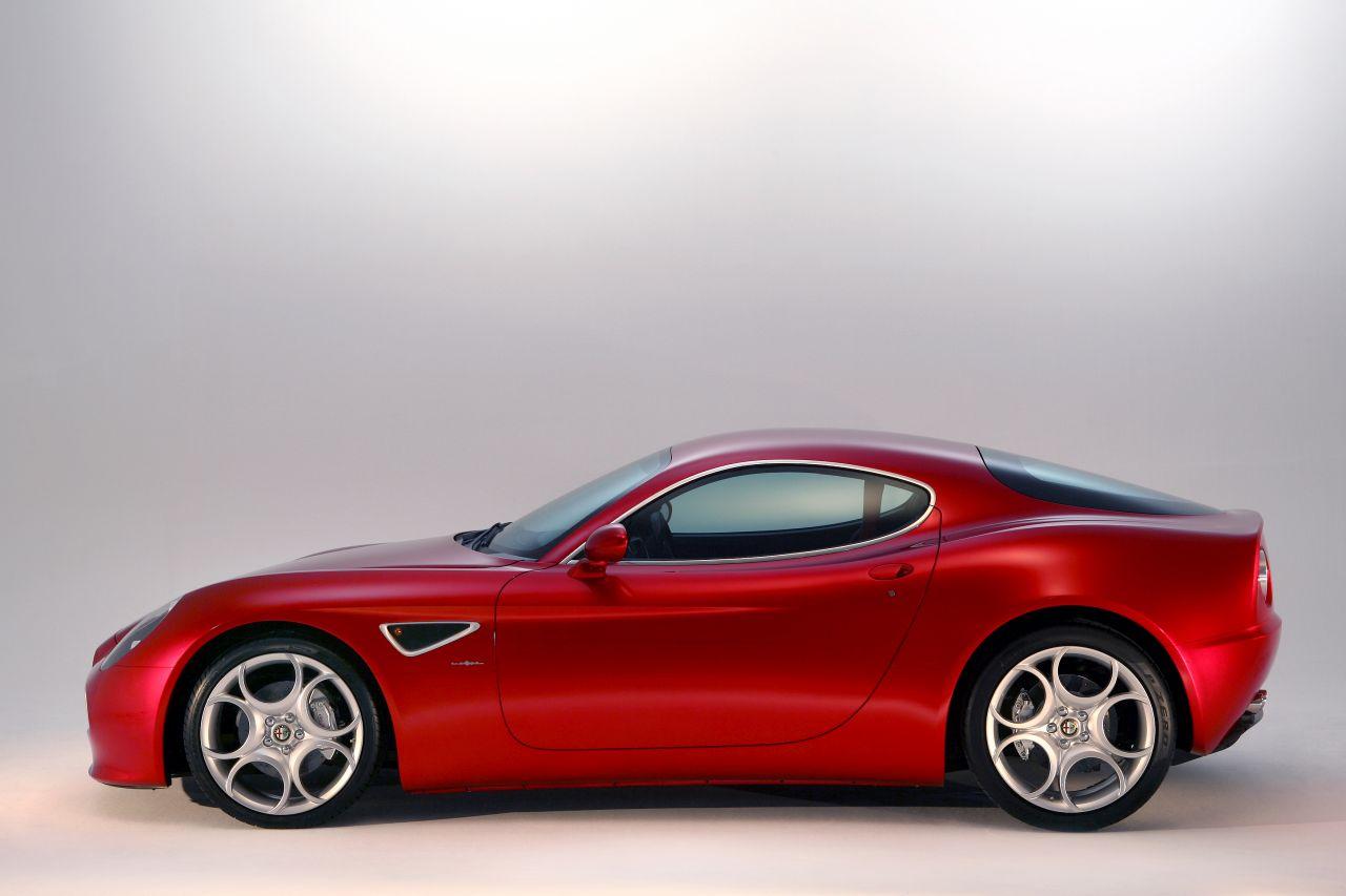Retour des Alfa GTV et 8C ! Problème de dénomination ? 42
