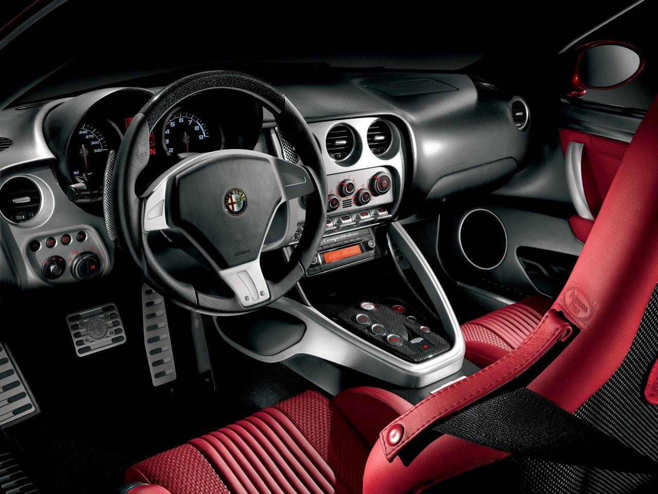 Retour des Alfa GTV et 8C ! Problème de dénomination ? 46