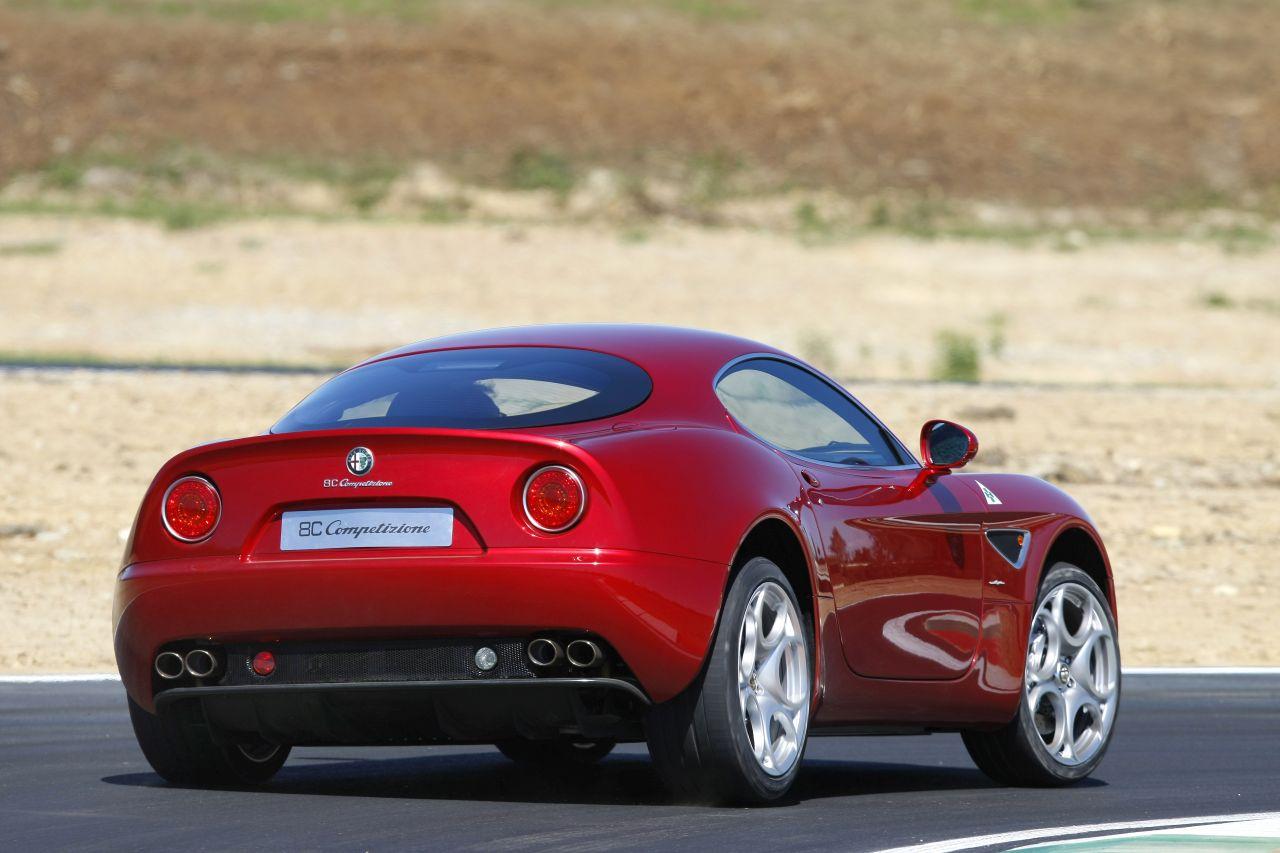 Retour des Alfa GTV et 8C ! Problème de dénomination ? 44