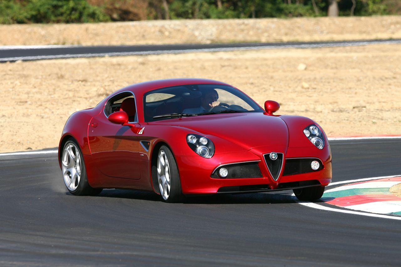 Retour des Alfa GTV et 8C ! Problème de dénomination ? 43