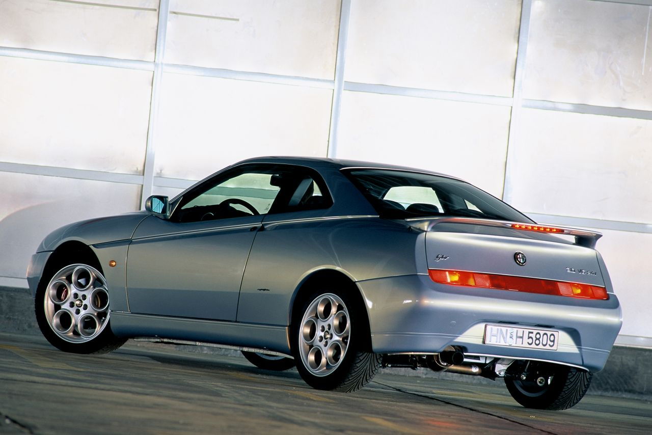 Retour des Alfa GTV et 8C ! Problème de dénomination ? 38