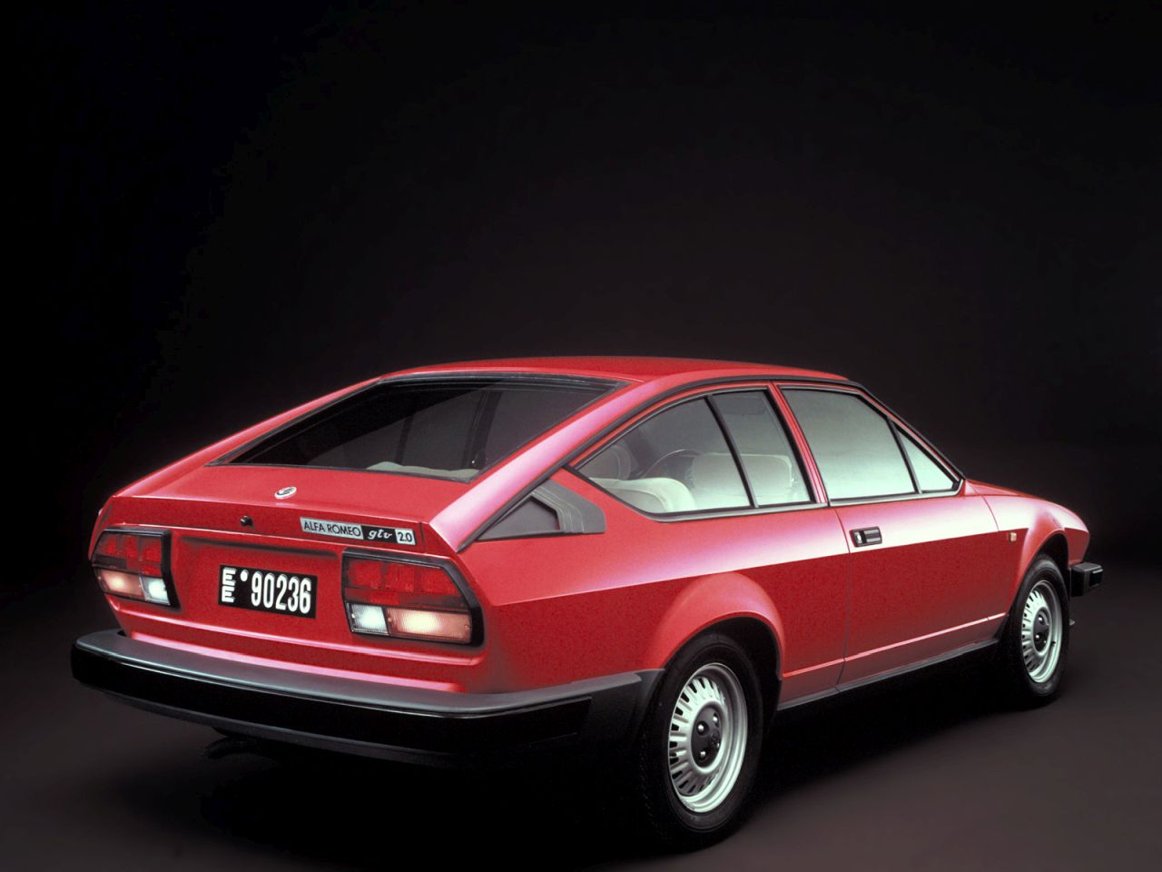 Retour des Alfa GTV et 8C ! Problème de dénomination ? 36