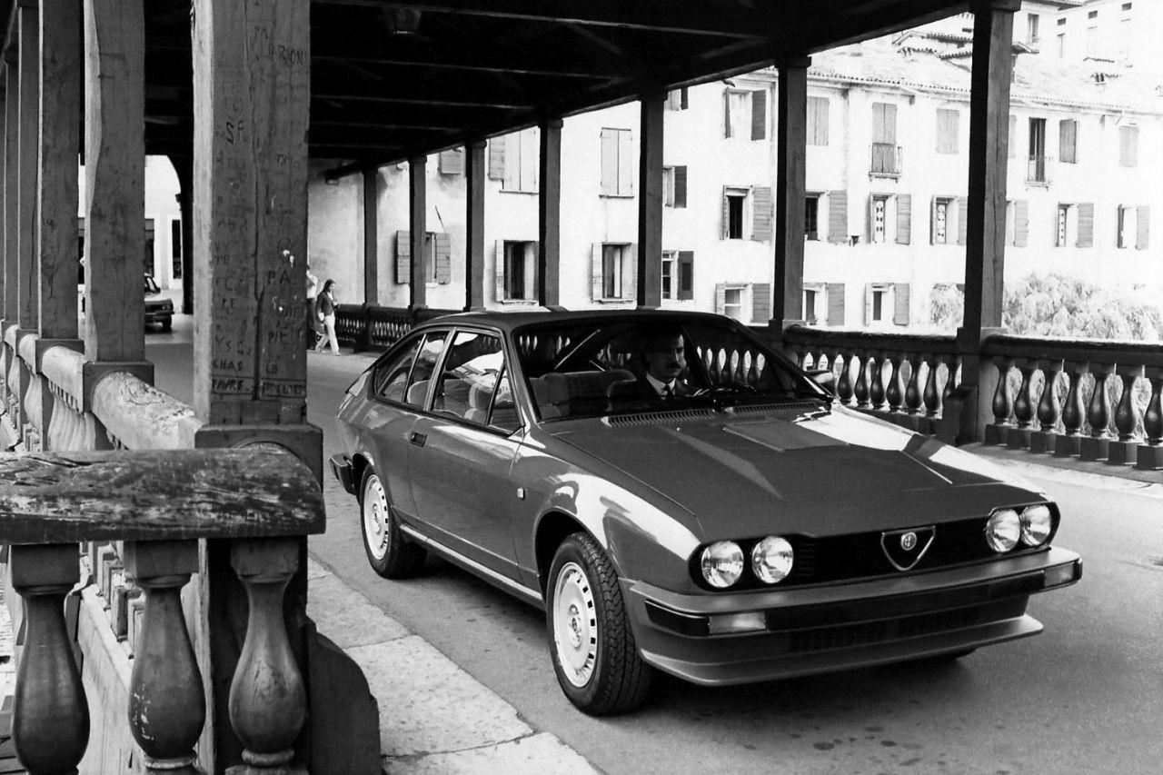 Retour des Alfa GTV et 8C ! Problème de dénomination ? 35