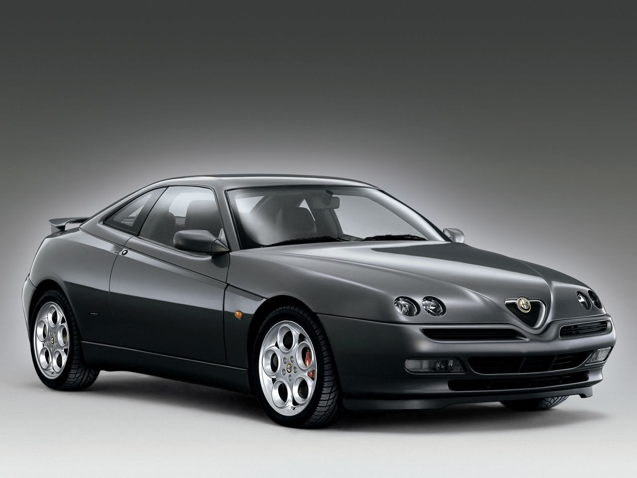 Retour des Alfa GTV et 8C ! Problème de dénomination ? 37