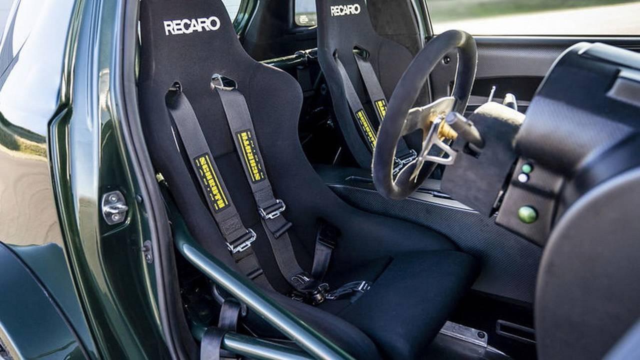 Aston Martin Cygnet... V8 ! Le retour de Rocco et de Mimi Mathy 37