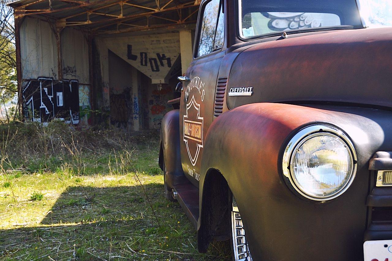 Slammed '51 Chevy 3100 - Born in the USA ! 75