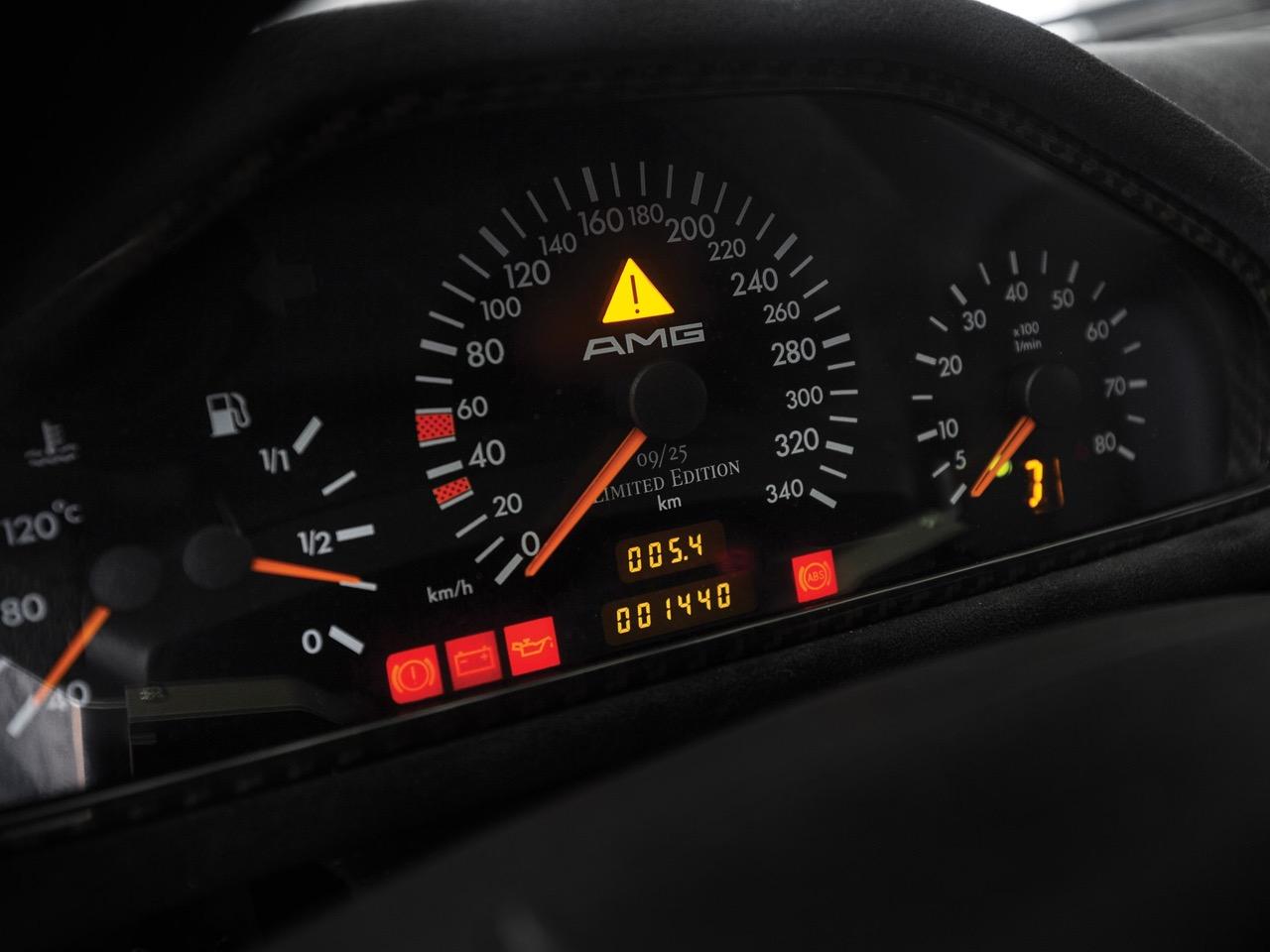 Mercedes CLK GTR... Street Legal Ultime ! 95