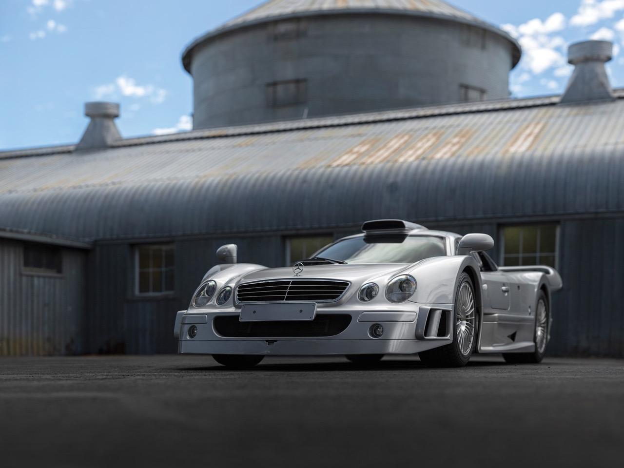 Mercedes CLK GTR... Street Legal Ultime ! 92
