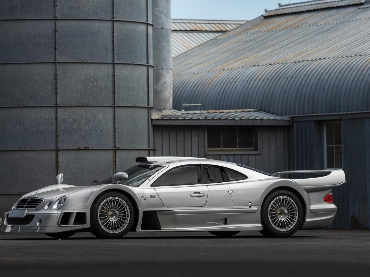 Mercedes CLK GTR... Street Legal Ultime ! 87