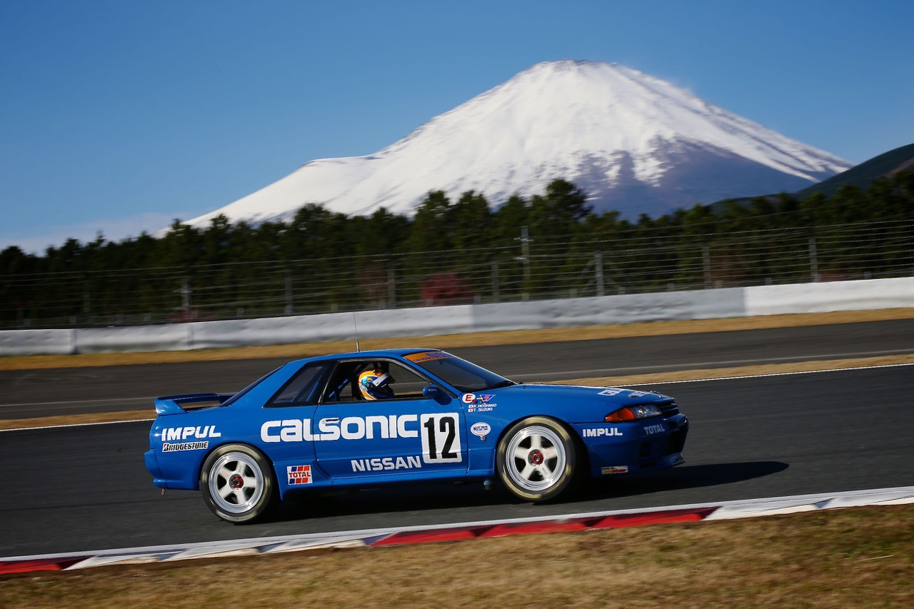 Nissan Skyline R32 GTR Calsonic...  Godzilla attack ! 2