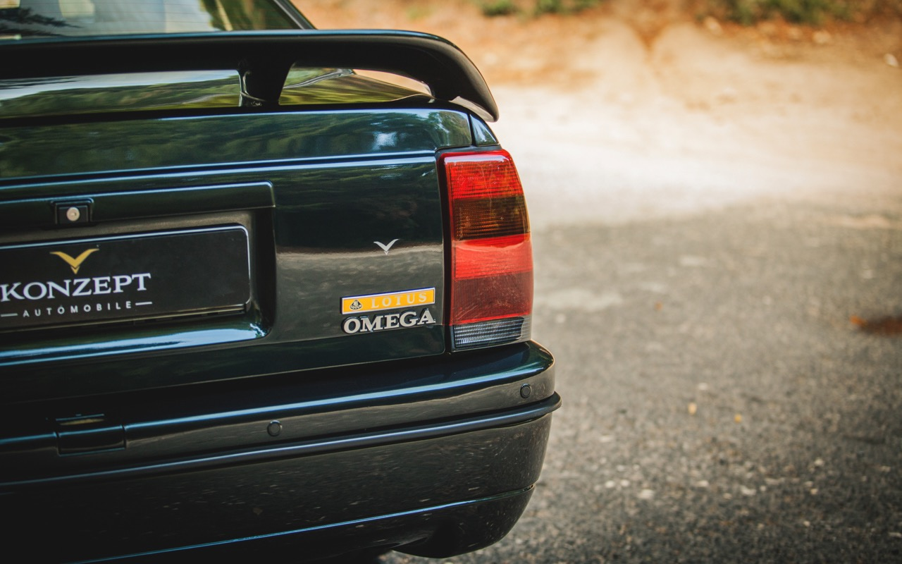 Opel Omega Lotus - Le monstre des 90's ! 48