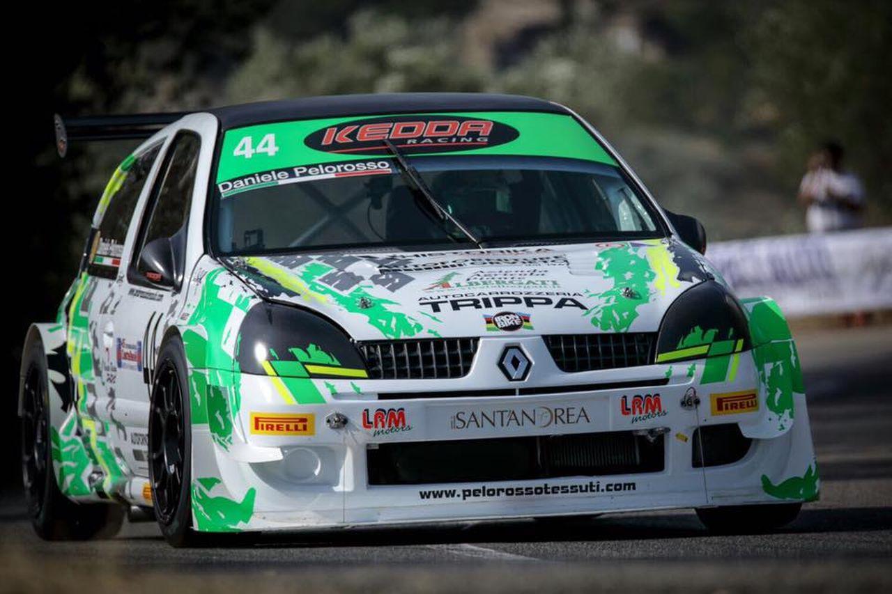 HillClimb Monsters : Renault Clio Proto - Le feu de l'enfer ! 3