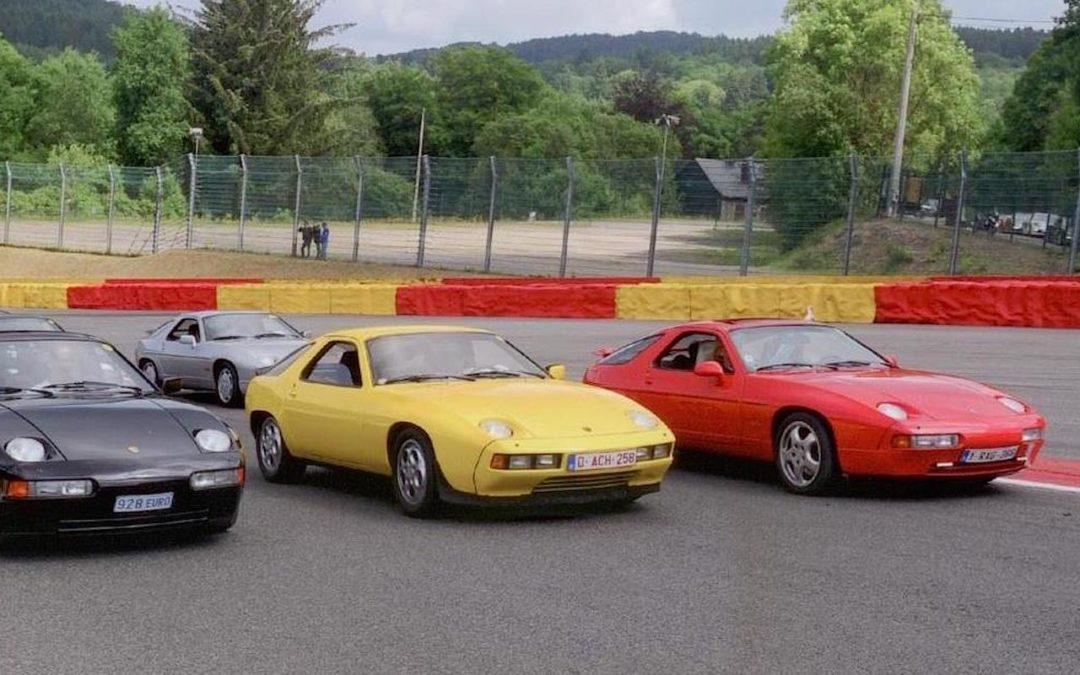 Engine Sound : Porsche 928 en Straight Pipe… Muscle car ?!