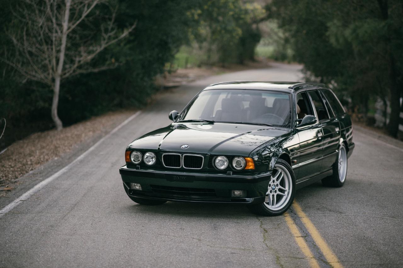 BMW M5 3.8l E34 Touring Elekta - Plus rare que rare... 3