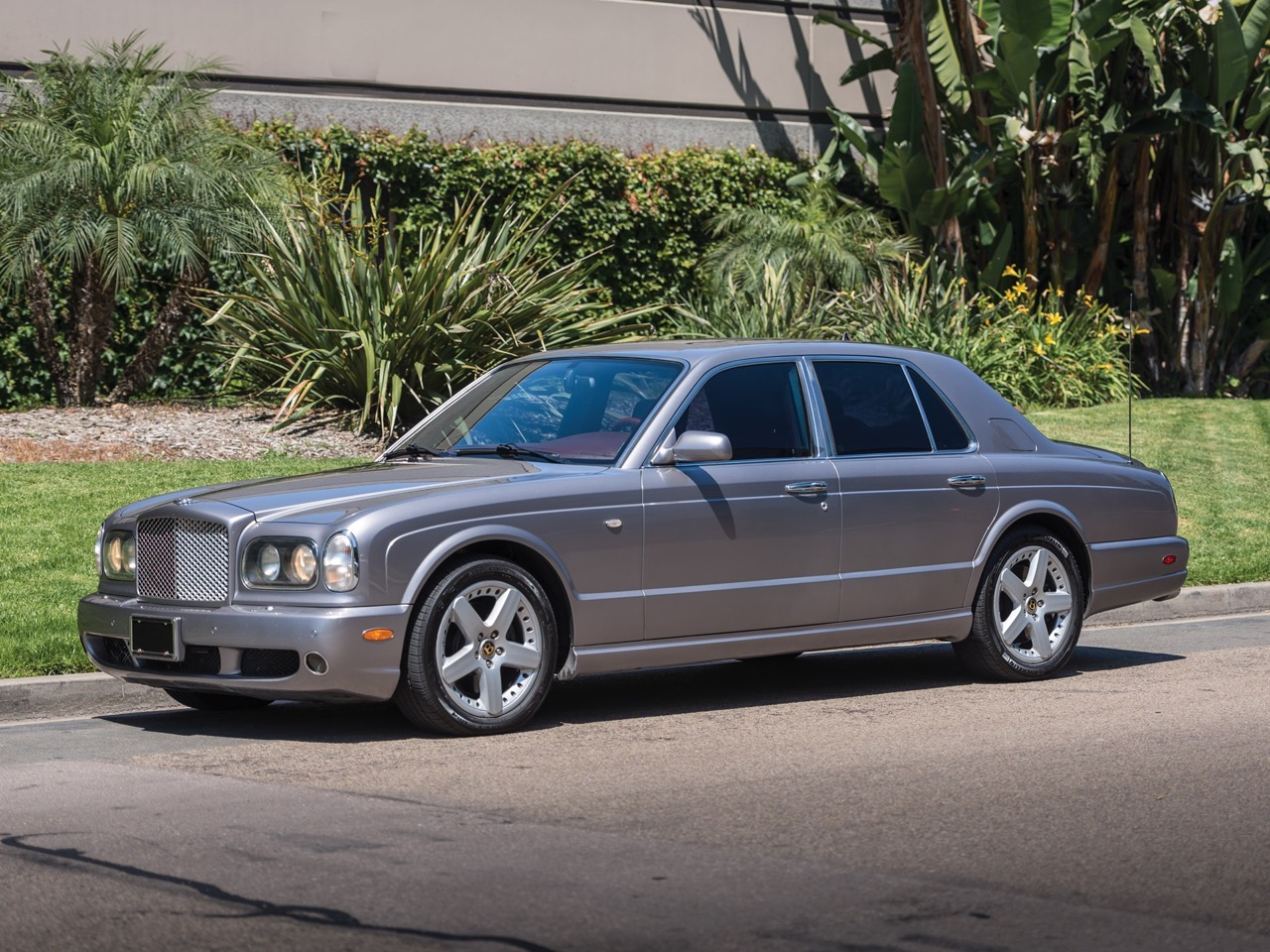 2003 Bentley Arnage T... Nickelle pour la retraite ! 2