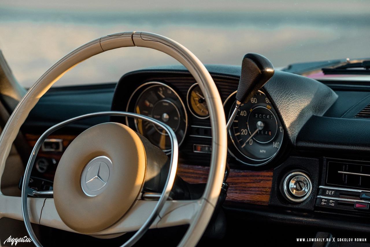 '72 Mercedes 250 W114... Raye bitume ! 4