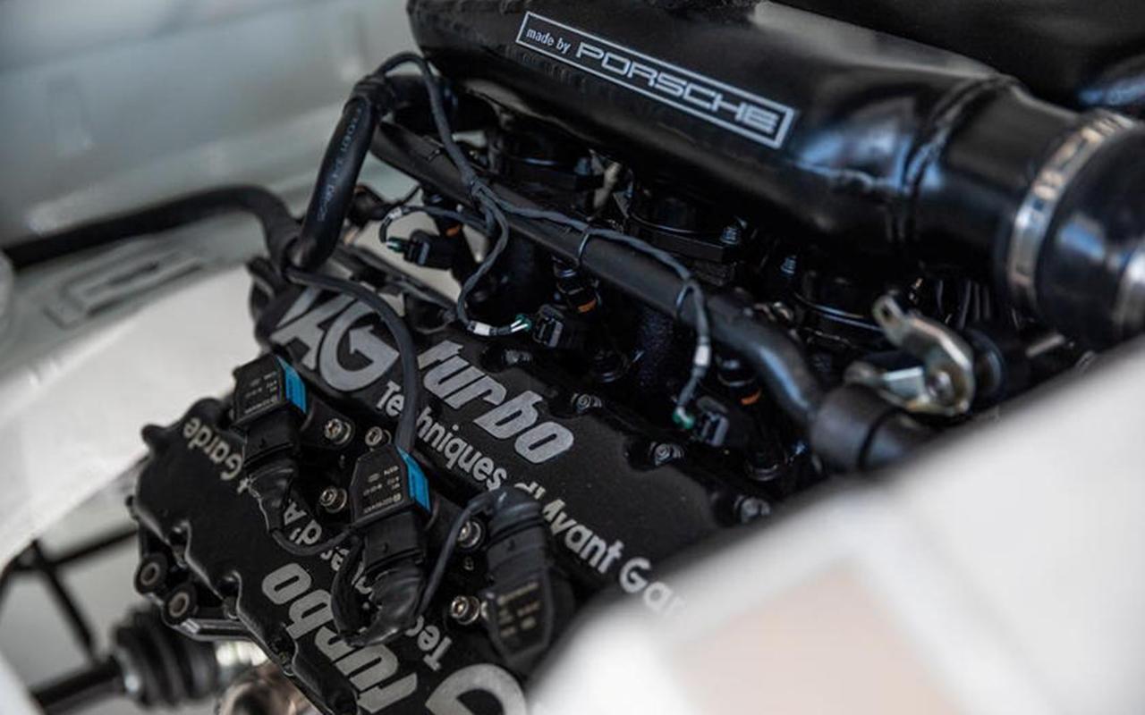 OVNI : Une 911 avec un moteur de F1 ! 23