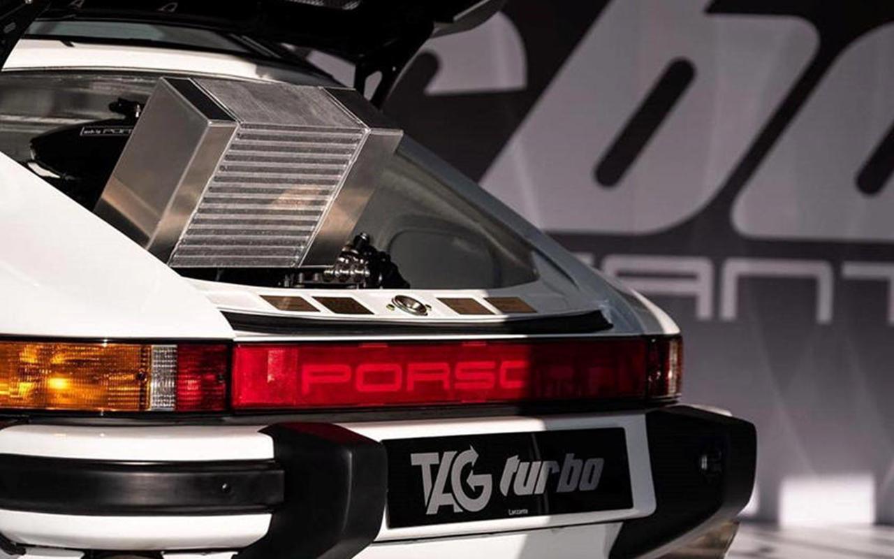 OVNI : Une 911 avec un moteur de F1 ! 25