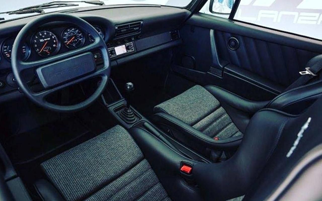 OVNI : Une 911 avec un moteur de F1 ! 26