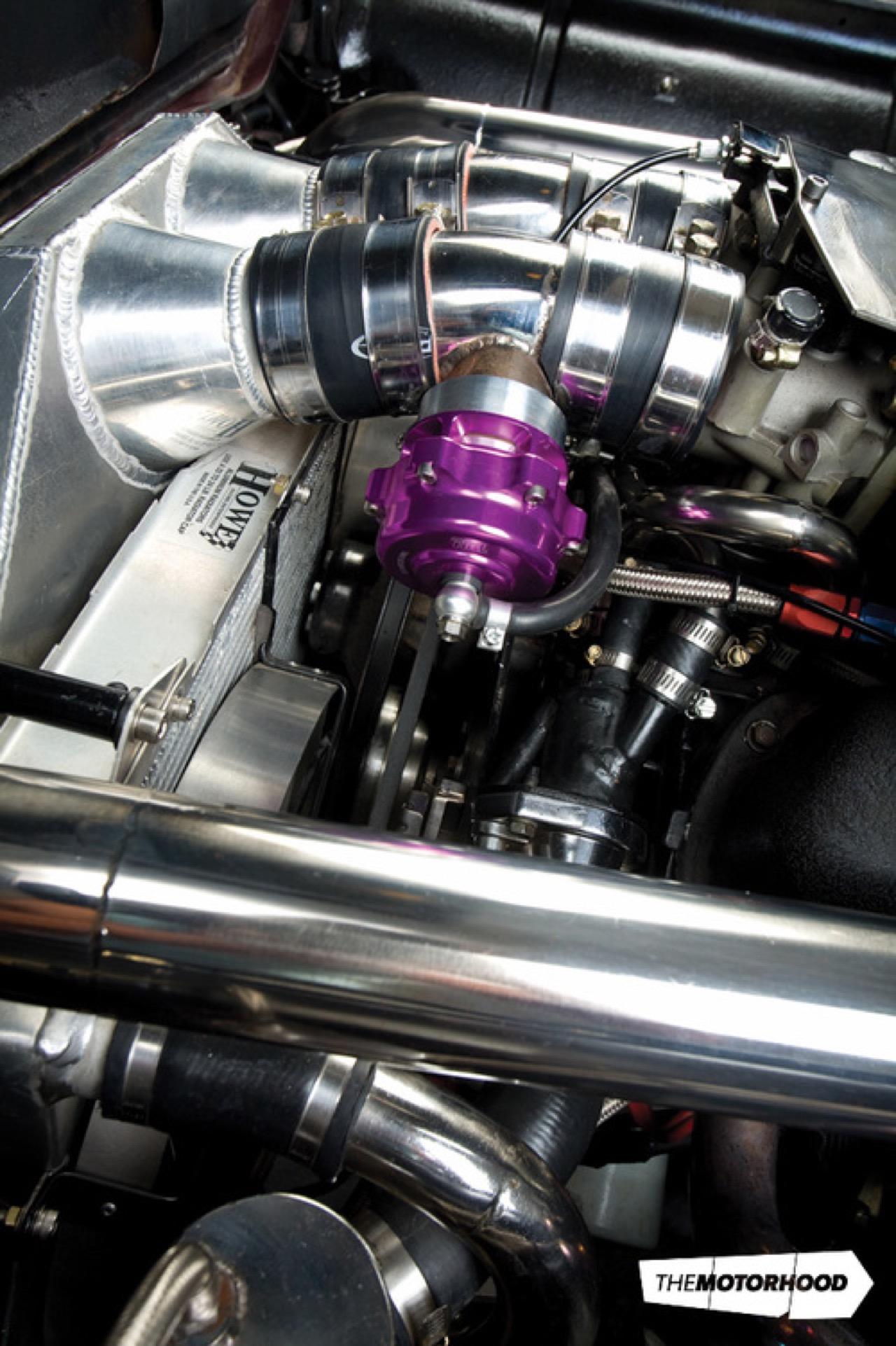 Rusty racer : Twinturbo Ford Thunderbird... 35