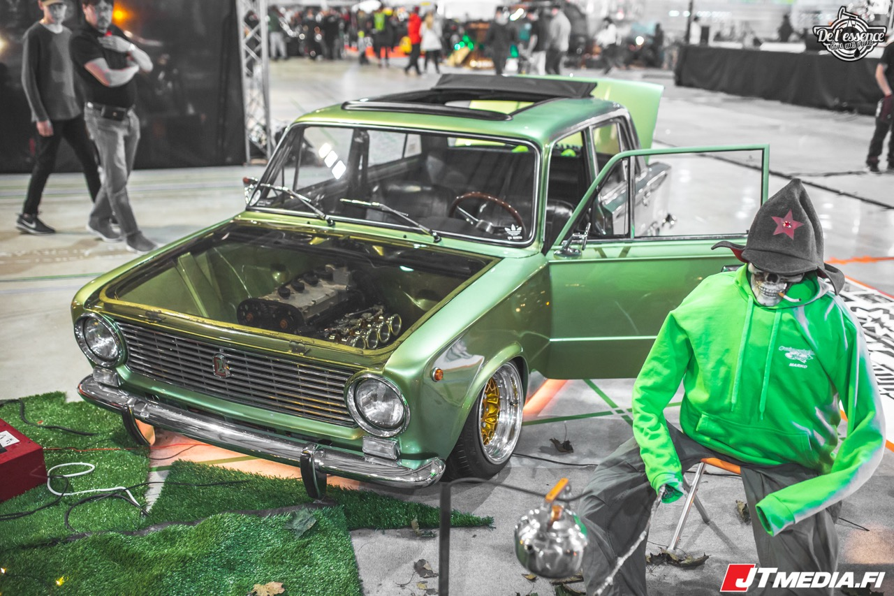 Slammed Lada 1200L - Soviet Static ! 17