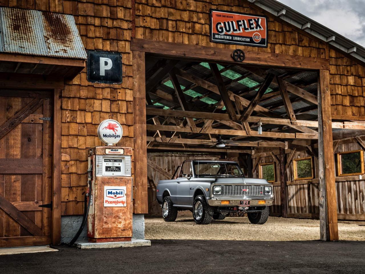 #SEMA : Ringbrothers '71 Chevy Blazer K3 - SUV en LS3 ! 23