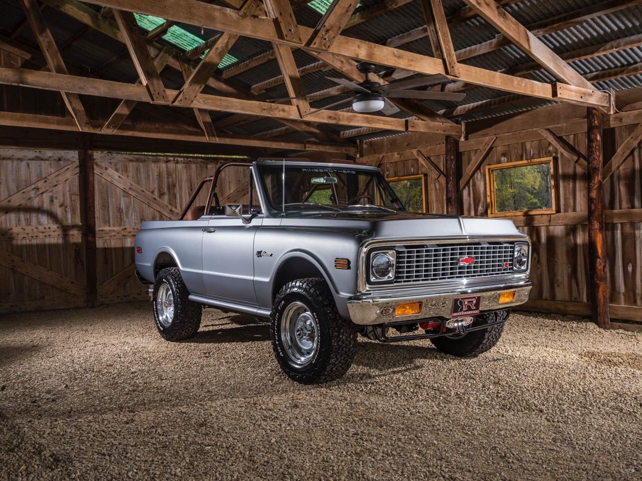 #SEMA : Ringbrothers '71 Chevy Blazer K3 - SUV en LS3 ! 17
