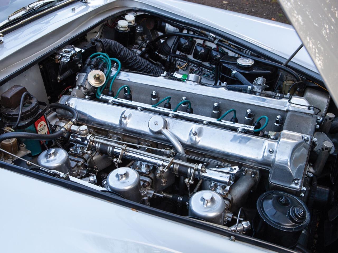 '62 Aston Martin Lagonda Rapide... Salon anglais ! 11