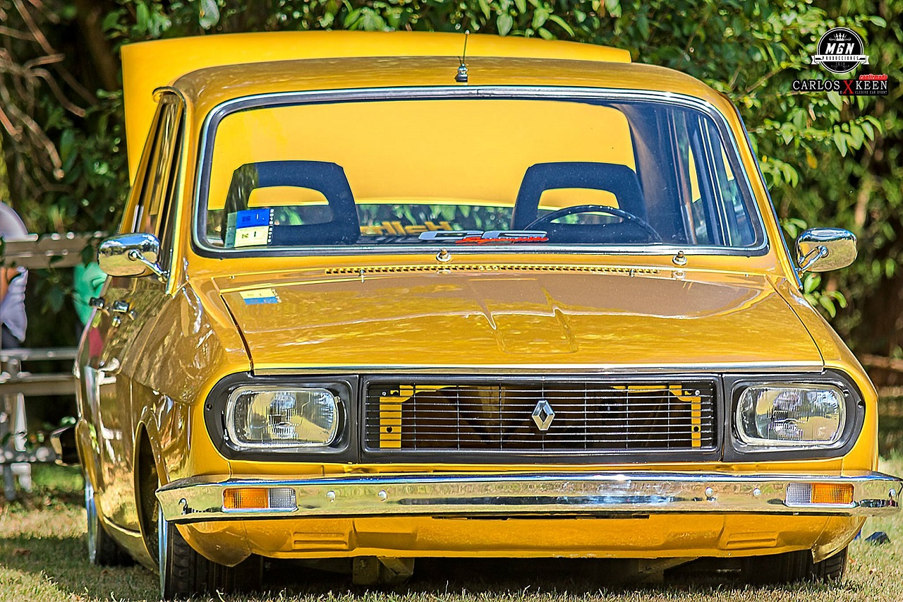 Bagged Renault 12 - Hey DJ met nous donc du funk ! 1