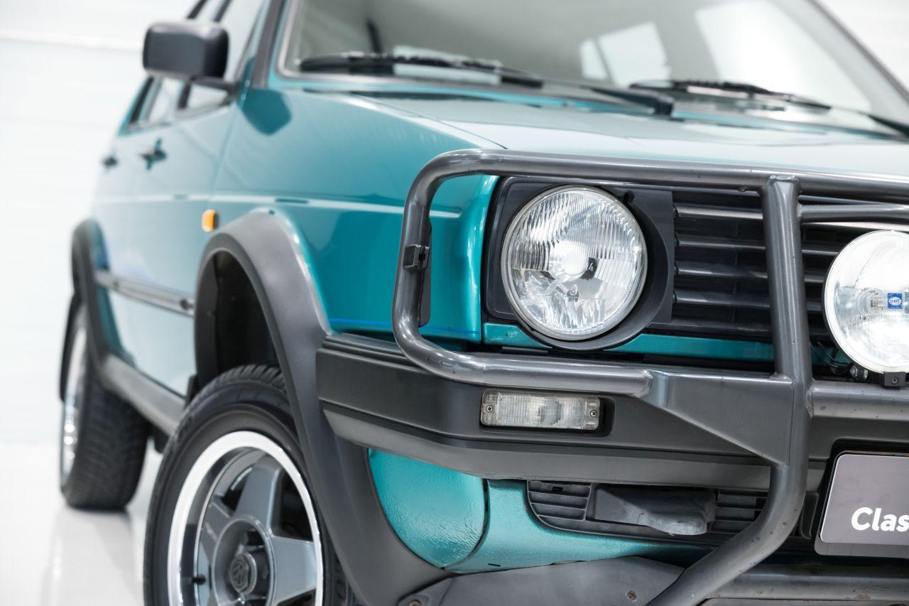 VW Golf Country - L'anti-stance dans la boue ! 1