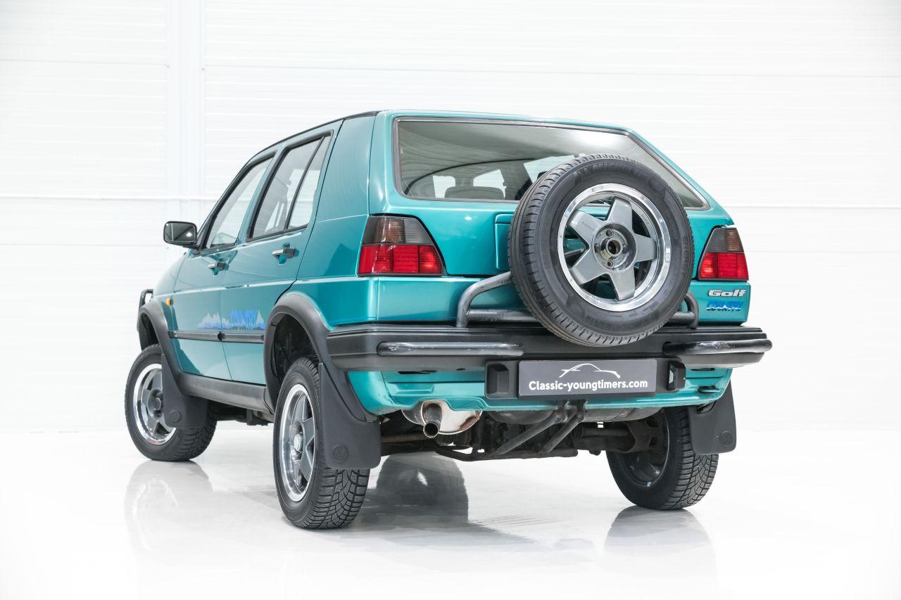 VW Golf Country - L'anti-stance dans la boue ! 2