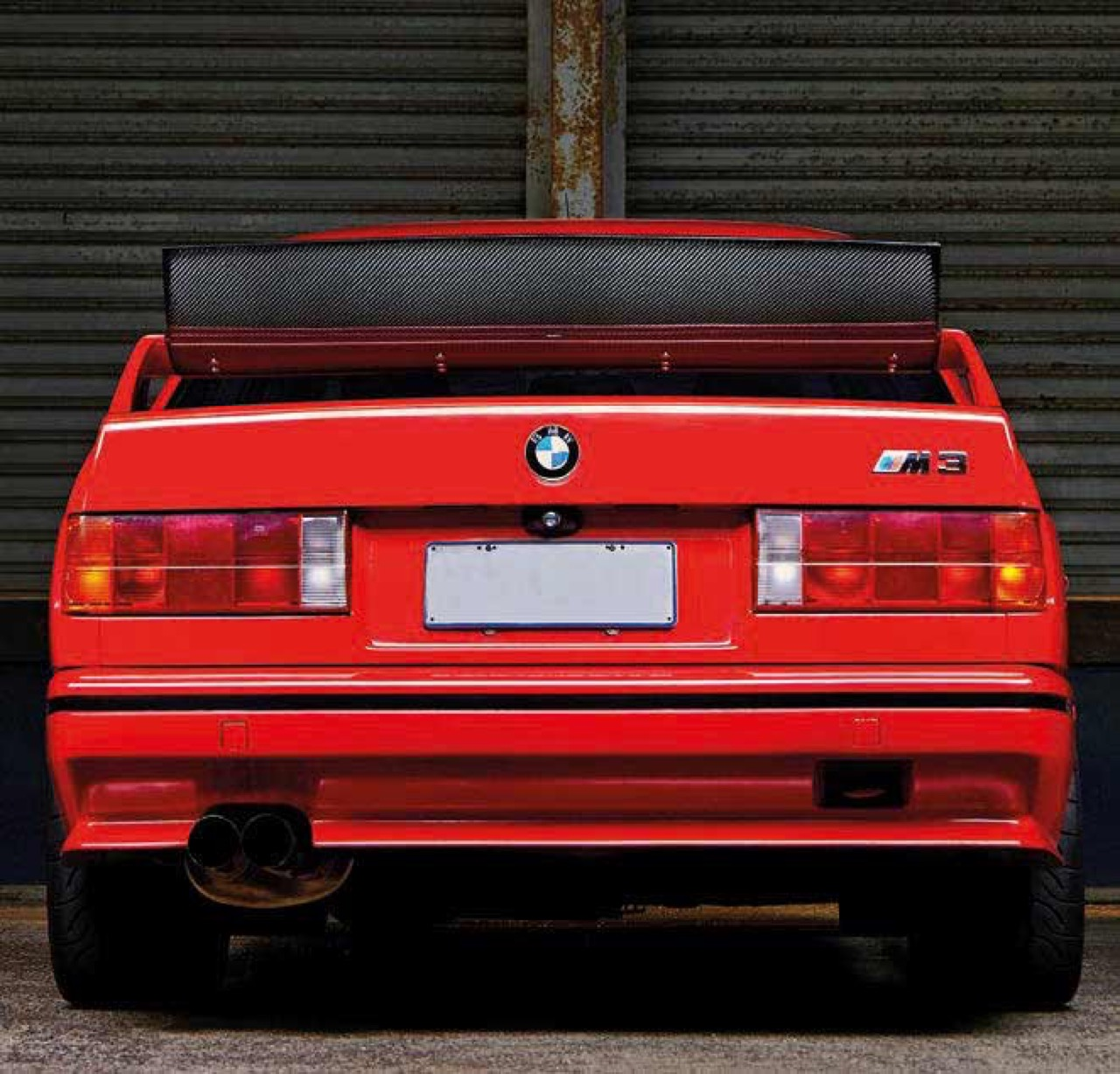 BMW M3 E30 en SB85B50... Ouais, en V10 quoi ! 5