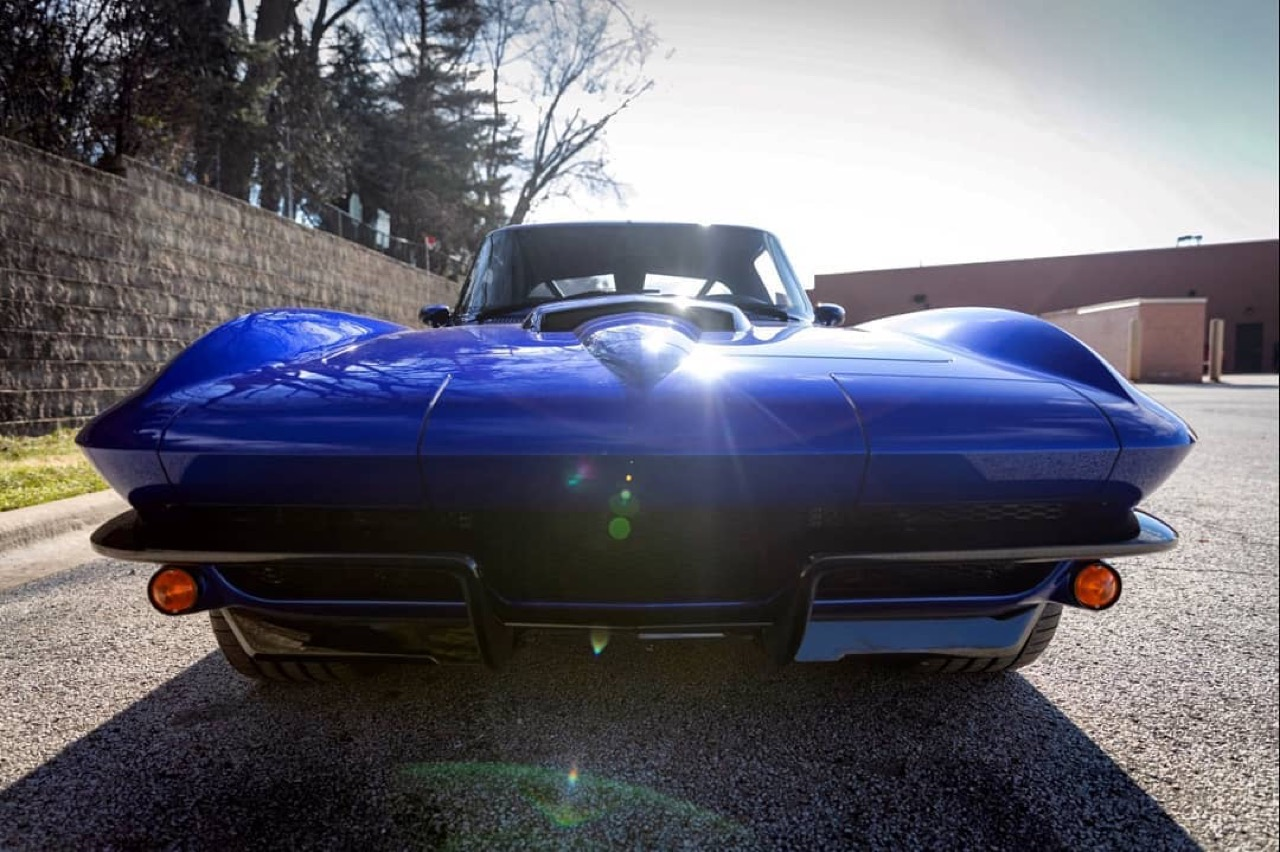 Corvette Stingray by Roadster Shop... Bleu comme l'enfer ! 17
