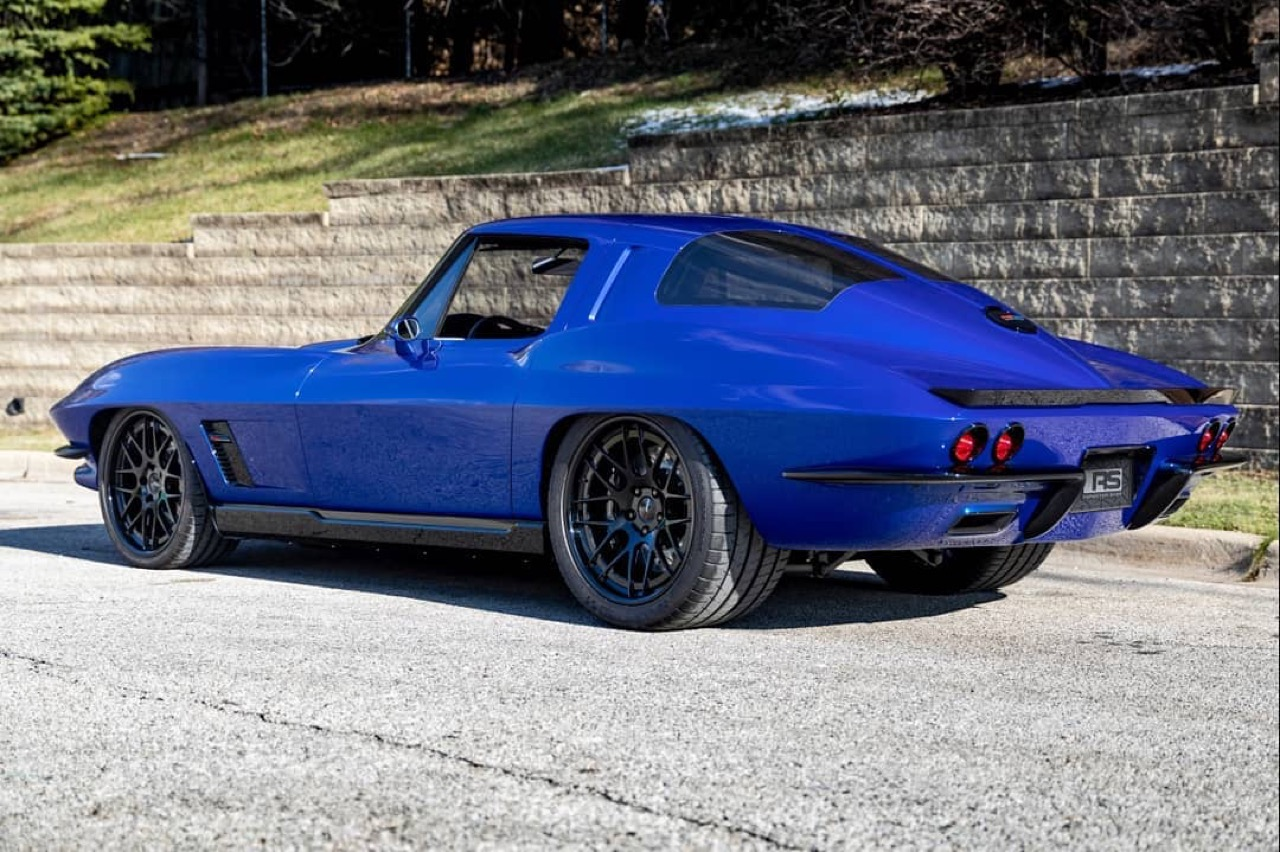Corvette Stingray by Roadster Shop... Bleu comme l'enfer ! 19