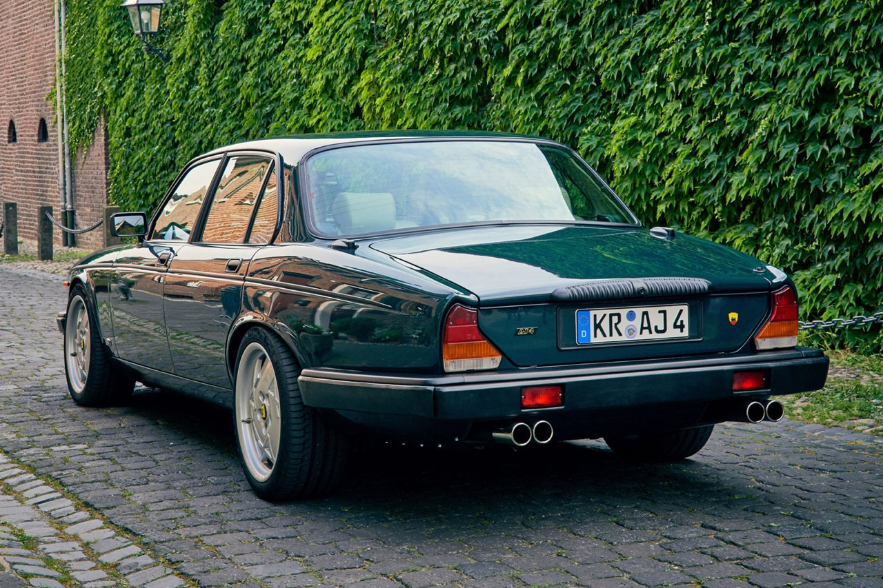 Daimler DoubleSix... Arden - Rhaaaa Lovely ! 10