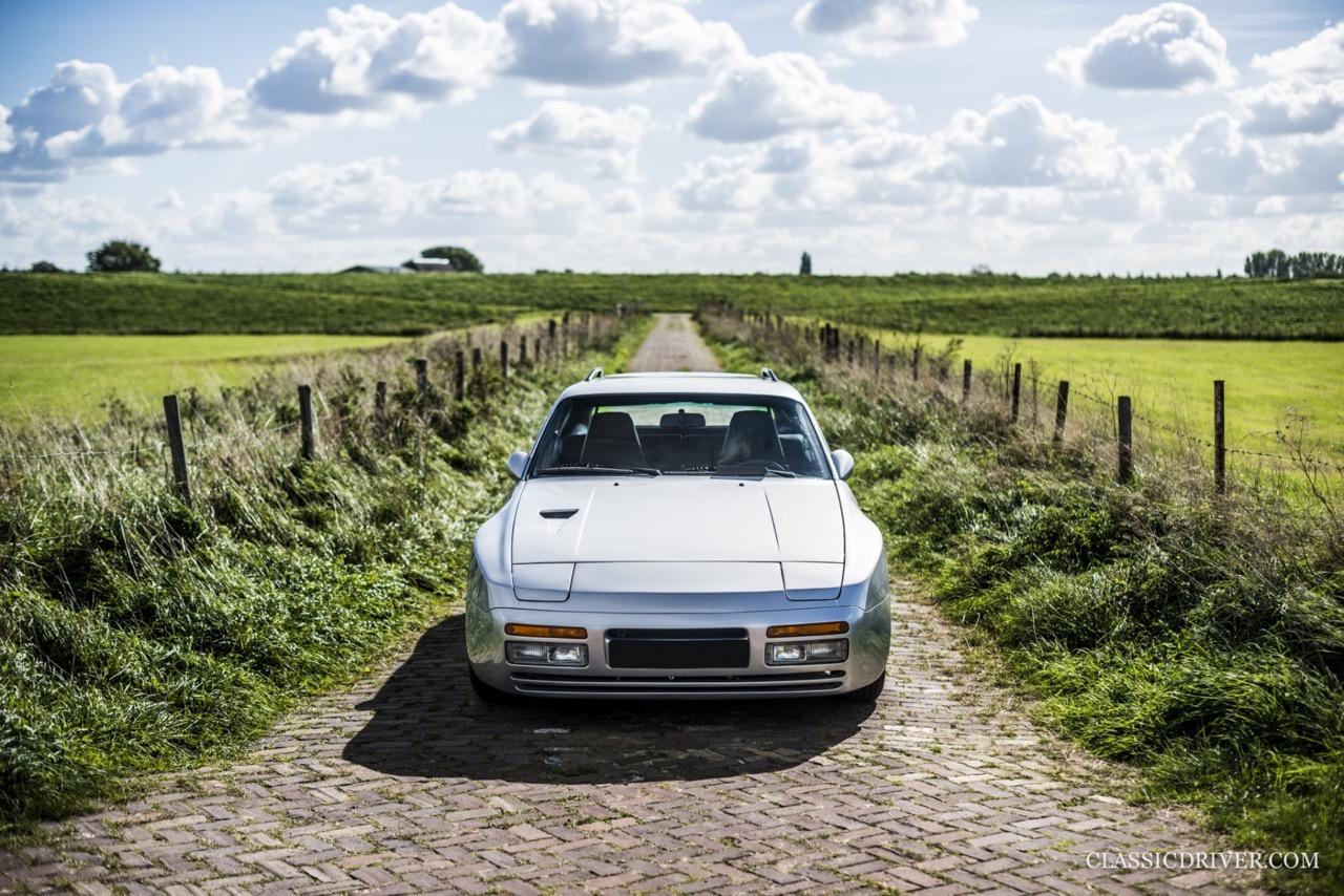 DP Cargo : La Porsche 924 pour les déménageurs ! 46