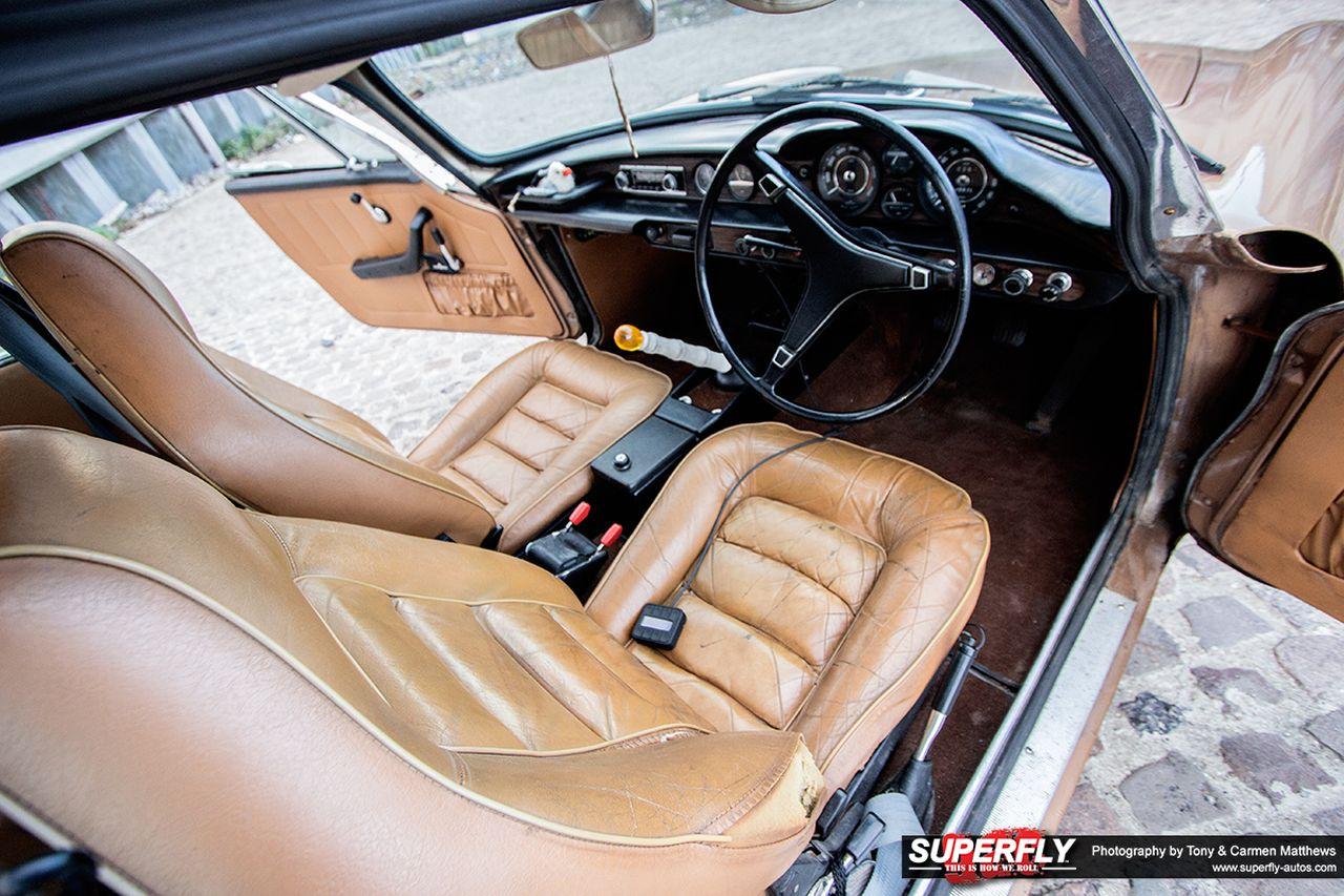 Stanced 1972 Volvo 1800 ES - Le Saint Graal ?! 5