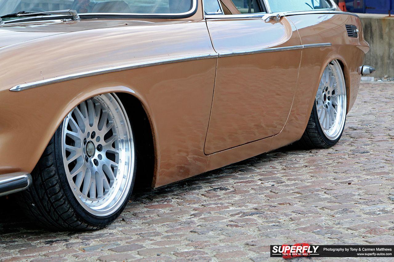 Stanced 1972 Volvo 1800 ES - Le Saint Graal ?! 15