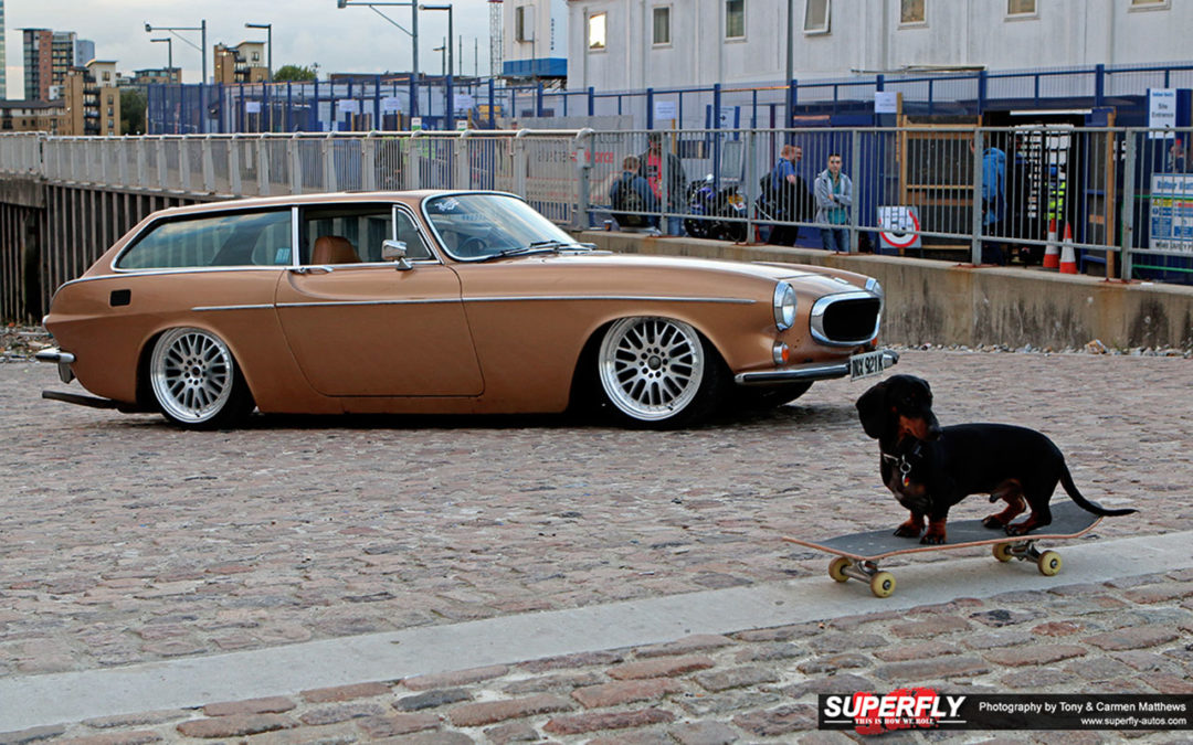 Stanced 1972 Volvo 1800 ES – Le Saint Graal ?!