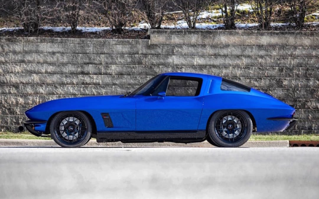 Corvette Stingray by Roadster Shop… Bleu comme l'enfer !
