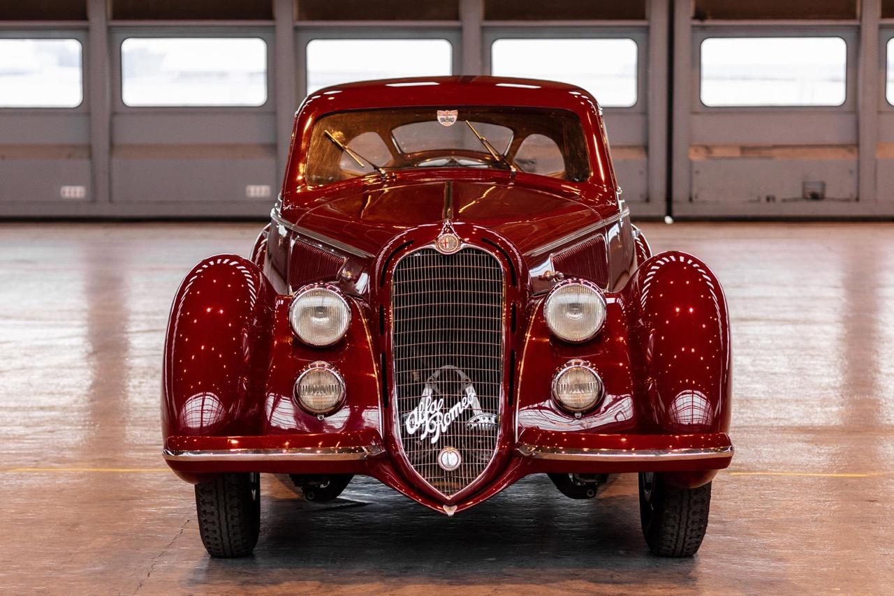 Alfa Romeo 8C 2900B Touring Berlinetta - Leggendario... 12