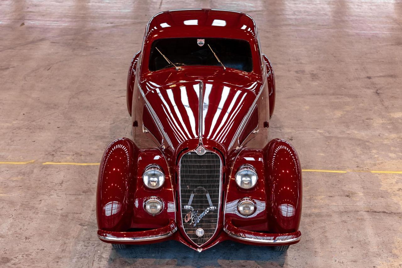 Alfa Romeo 8C 2900B Touring Berlinetta - Leggendario... 2